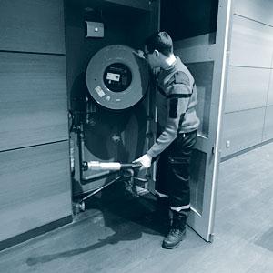Vérification du matériel de sécurité (contrôle et conformité)